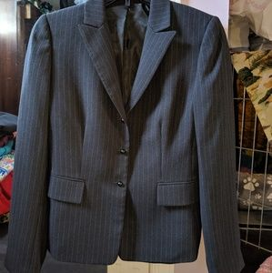 Tahari size 2 two piece suit